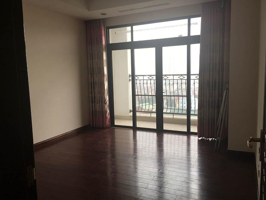 Cho thuê căn hộ R1 Royal City 3 Ngủ, Không đồ – 18 triệu