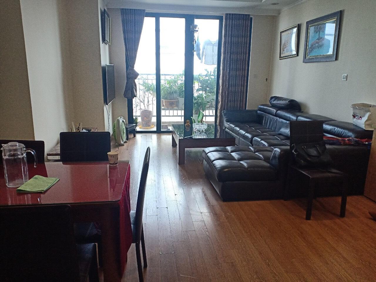 Cần bán căn 3 phòng ngủ R6 S103m2 ban công ĐÔNG NAM. Giá 4.7 tỷ