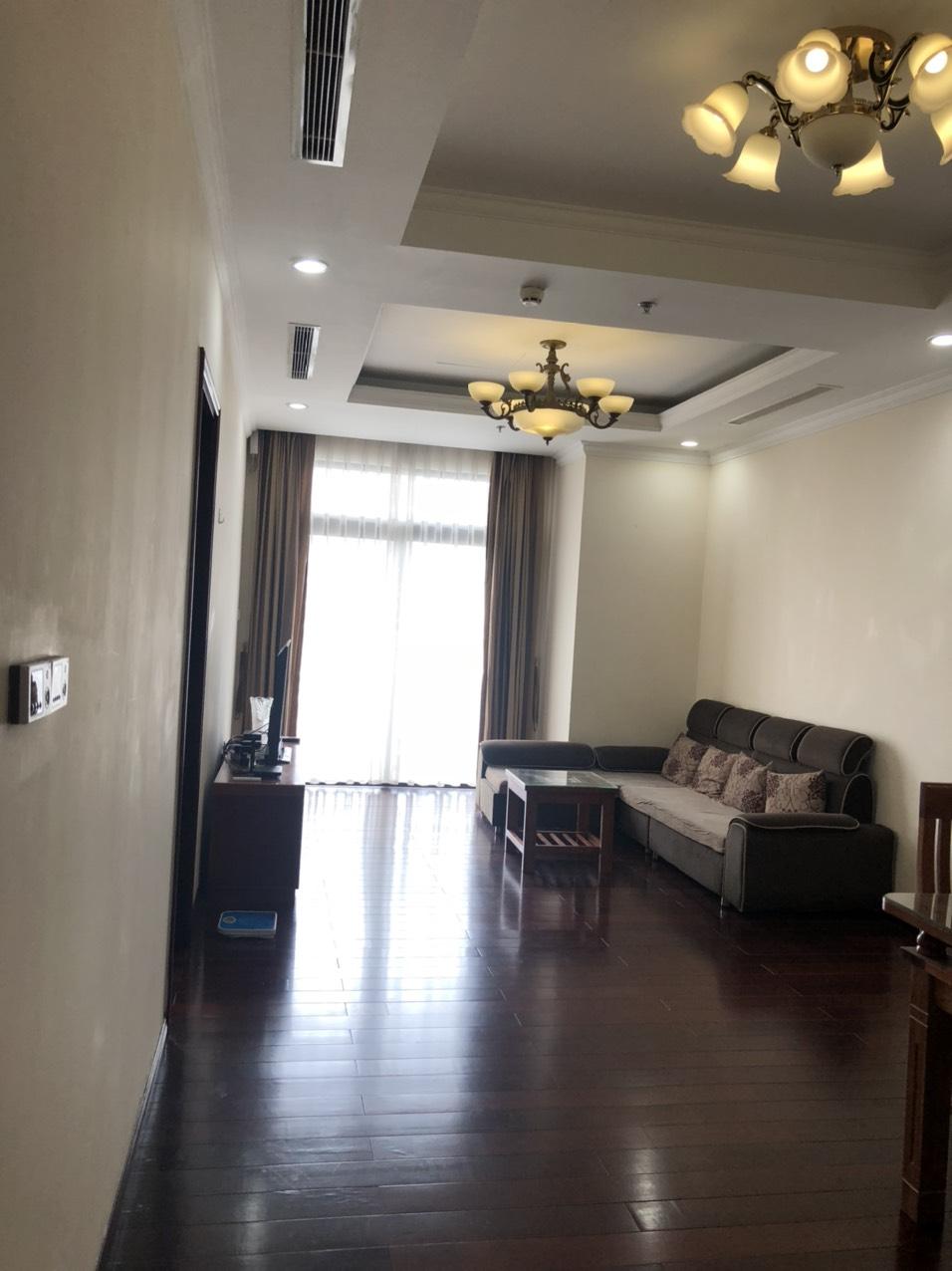 Bán cắt lỗ căn hộ tòa R1 Royal City, căn 88m2 2 phòng ngủ ban công đông nam giá rẻ 3.4 tỷ