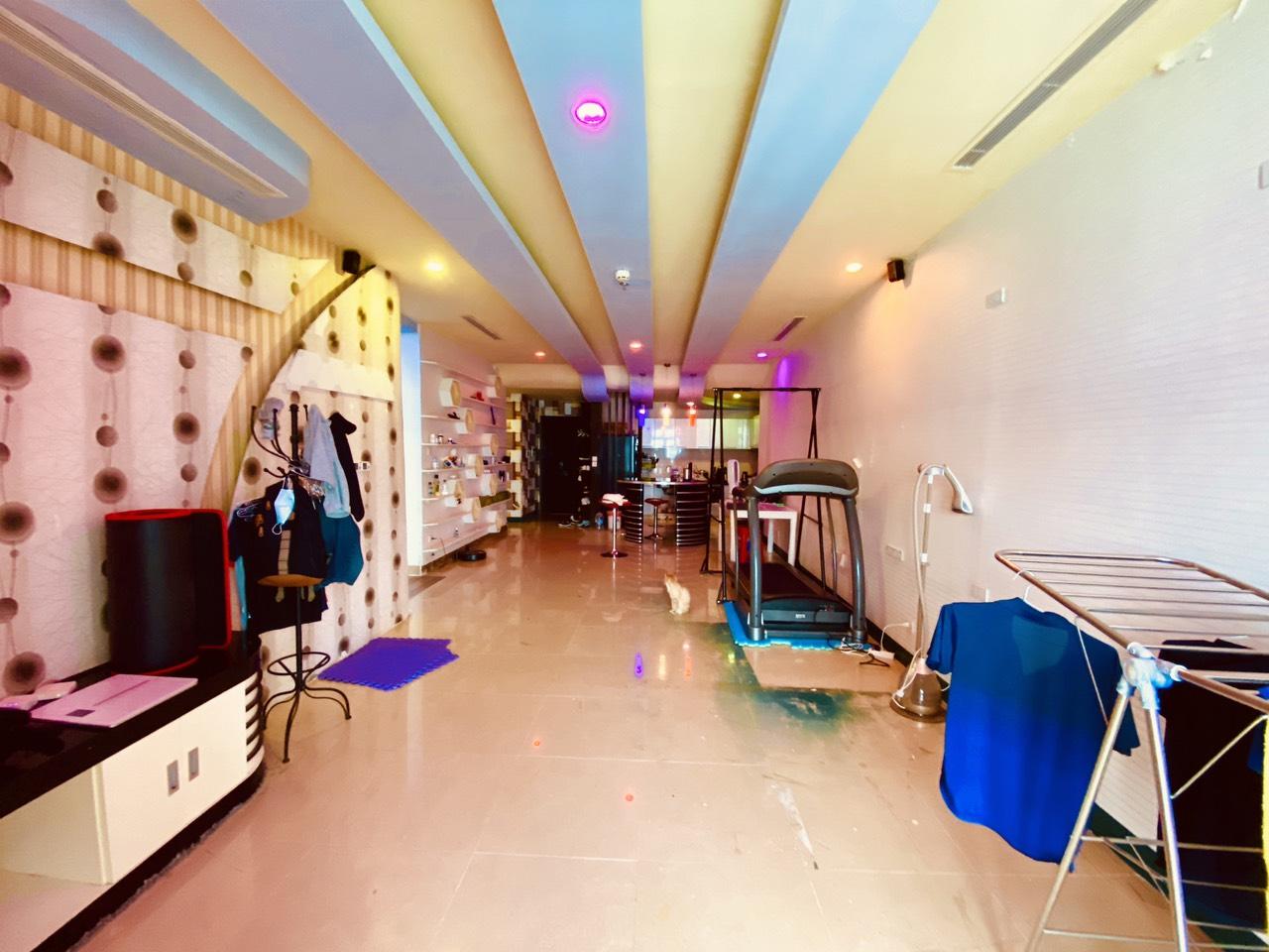 Bán cắt lỗ căn hộ R1 Royal City, căn 145m2 3 phòng ngủ ban công Đông Nam. Giá 4.5 tỷ
