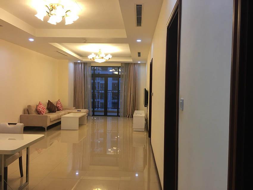 Cho thuê căn hộ Royal City R1 2 ngủ đủ đồ – giá 18 triệu