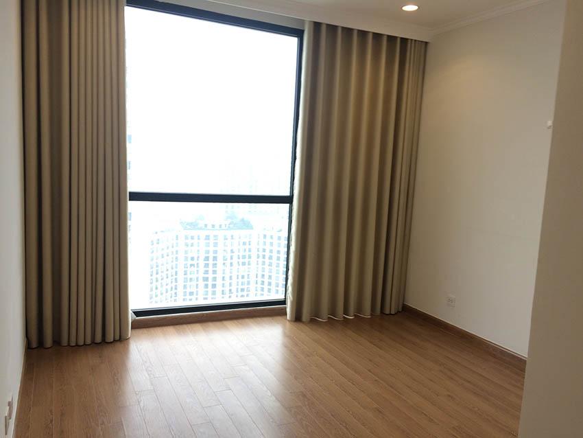 Cho thuê căn hộ Royal City R6 105m2, 3 ngủ không đồ – 750 USD