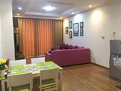 Cho thuê căn hộ Royal City R6 82m2, 2 Ngủ Đủ Đồ
