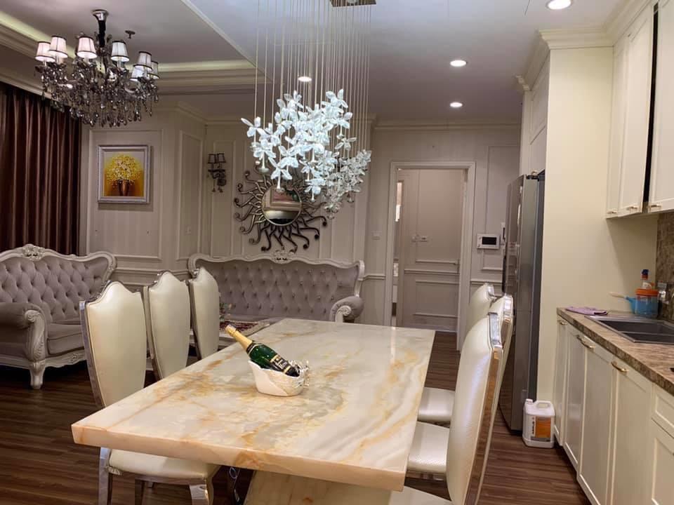 Bán gấp căn hộ R3 Royal city 3 phòng ngủ 123,7m2