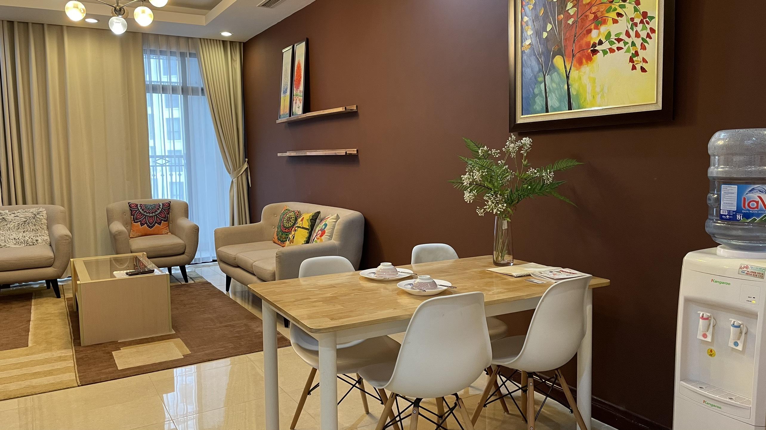 Thuê căn hộ 2 phòng ngủ R3 royal city đồ đẹp
